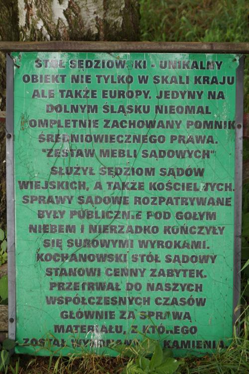 Mittelalterliche Gerichtstafel in Trautliebersdorf (heute Kochanów)