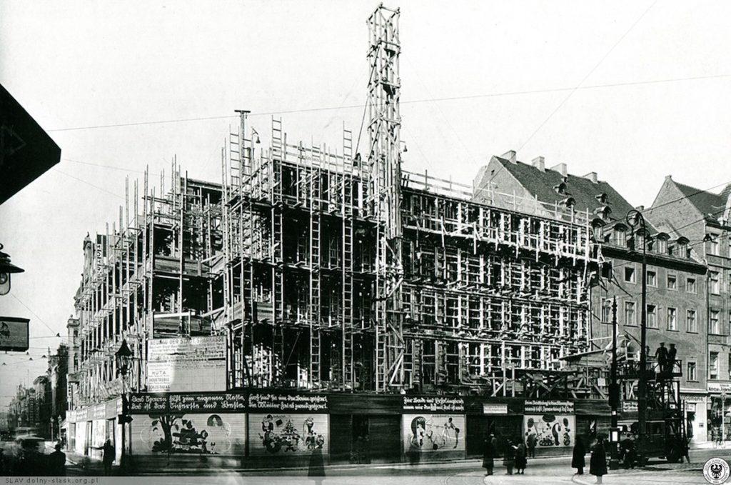 Bau der städtischen Sparkasse – Quelle: dolny-slask.org.pl