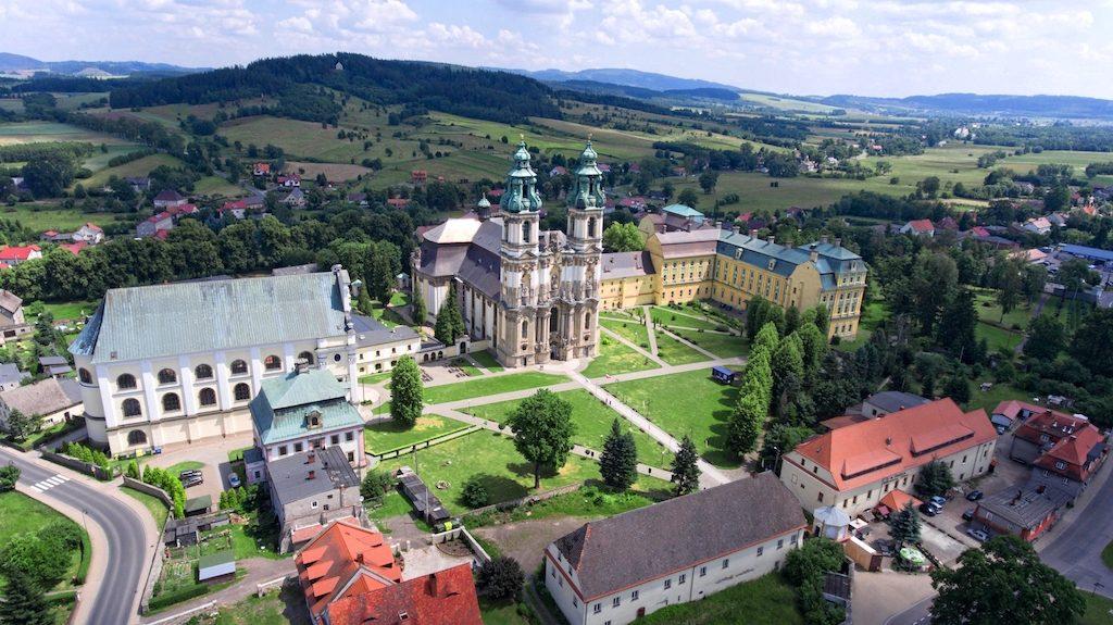 Zisterzienserabtei in Grüssau (Krzeszów) im Landeshuter Tal