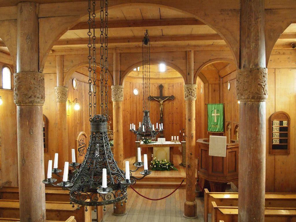 Innenraum der Wang-Kirche