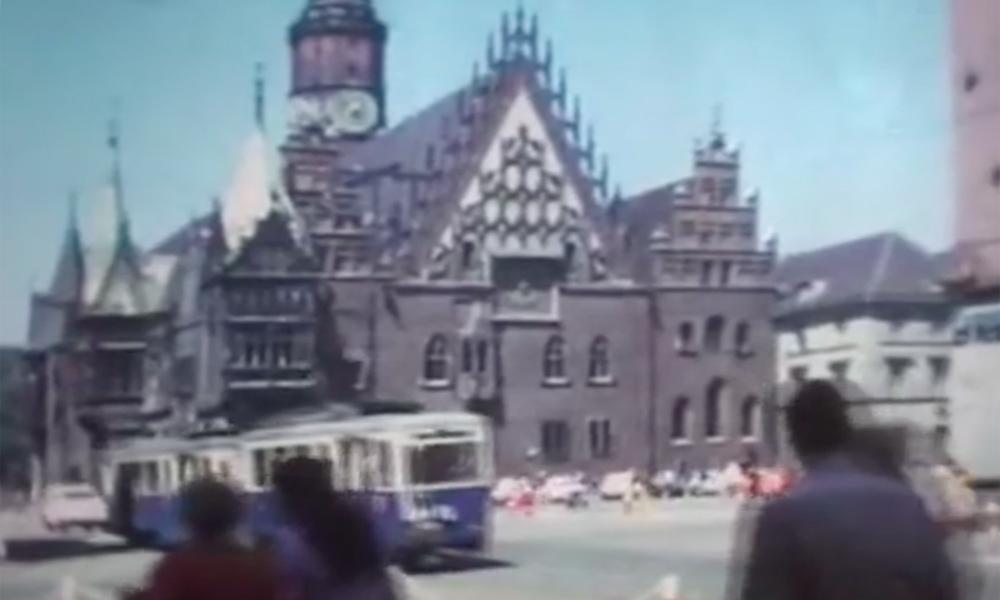 Der Große Ring, Altes Rathaus und Straßenbahnen – Archivfilm aus Breslau von 1976