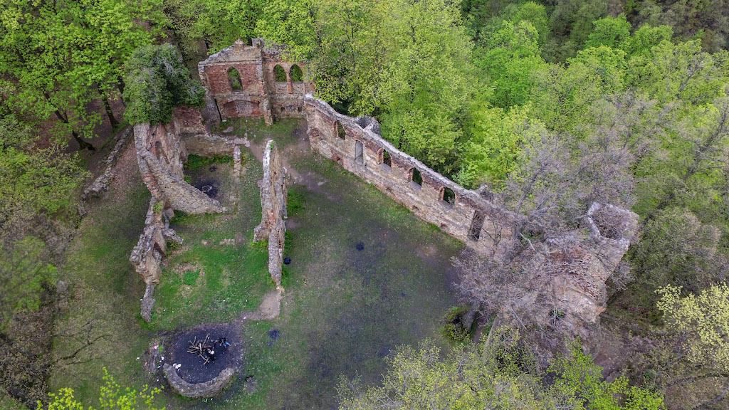 Dronenfoto des Alten Burg – Foto: Michał Jabłoński